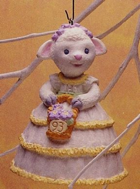 1993 Lovely Lamb Hallmark ornament